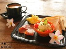 A Fei Surf Inn - NaNu: food and beverages
