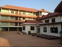 Hongkham Hotel: exterior