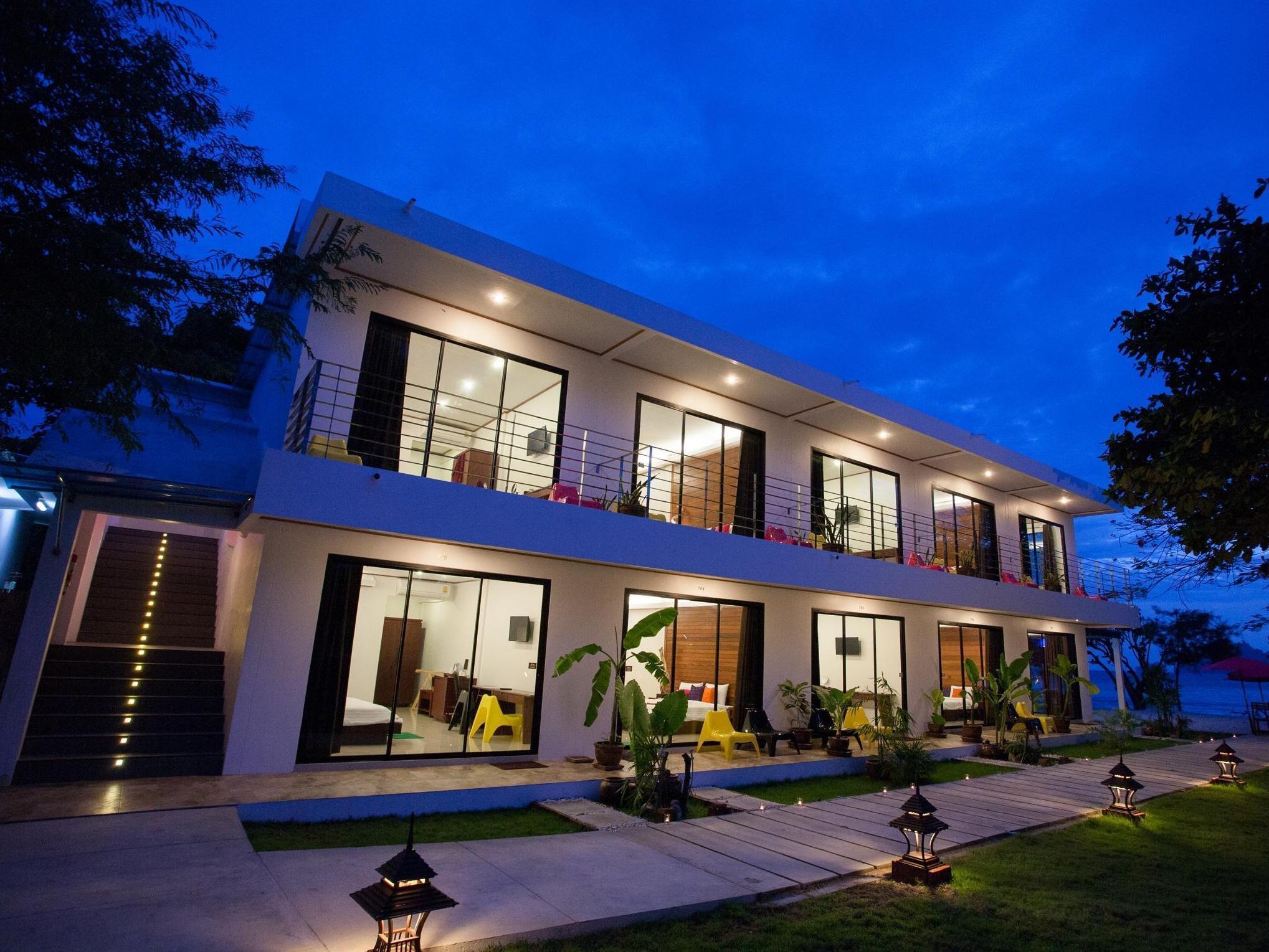 Paradise Resort Phi Phi0