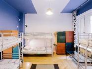 1 Cama en Dormitorio de 6 Camas