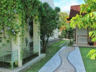 /diniya-suasso-design-hotel-restaurant/hotel/padang-id.html?asq=jGXBHFvRg5Z51Emf%2fbXG4w%3d%3d