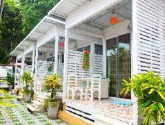 Lom Talay Resort at Koh Larn | Thailand Budget Hotels