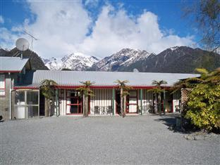 /sir-cedrics-glow-worm-accommodation/hotel/franz-josef-glacier-nz.html?asq=GzqUV4wLlkPaKVYTY1gfioBsBV8HF1ua40ZAYPUqHSahVDg1xN4Pdq5am4v%2fkwxg