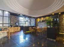 JK Hotel: lobby