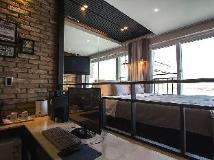 JK Hotel: guest room
