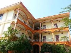 Saynamngeun Dokmuey Hotel Laos