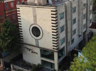 Mayur Residency