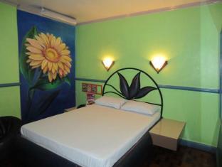 Halina Drive-Inn Hotel Sta. Mesa
