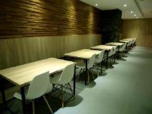 The Riverside Hotel International: restaurant