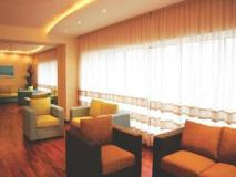 Laurent & Benon Suites - Santacruz East: restaurant