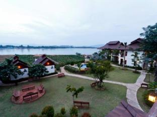 Gin's Maekhong View Resort and Spa