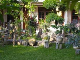 Watering Hole I Hotel Bali - Garden