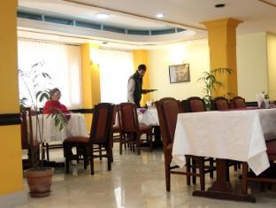 Hotel Pacific B