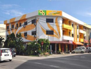 /sunflower-express-hotel/hotel/pontian-my.html?asq=jGXBHFvRg5Z51Emf%2fbXG4w%3d%3d