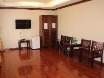 Soundara Hotel: guest room