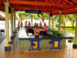 Camelot Beach Hotel Negombo - Pool Side Bar