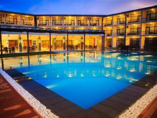 Camelot Beach Hotel Negombo - Pool