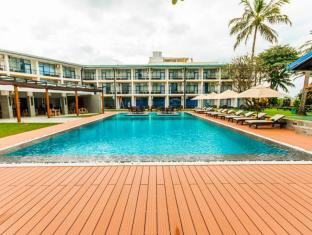 Camelot Beach Hotel Negombo - Swimming Pool