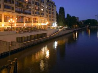 Riverside Royal Hotel