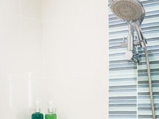 OZO Wesley Hong Kong Hong Kong - Bathroom