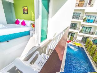 The Frutta Boutique Hotel Phuket - Balcony/Terrace