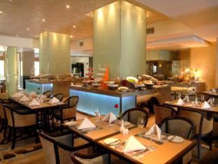 Cinnamon Lakeside Hotel Colombo - Dining Room Restaurant