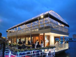 Cinnamon Lakeside Hotel Colombo - 8 Degrees on the lake