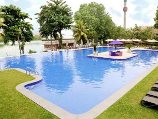 Cinnamon Lakeside Hotel Colombo - Swimming Pool