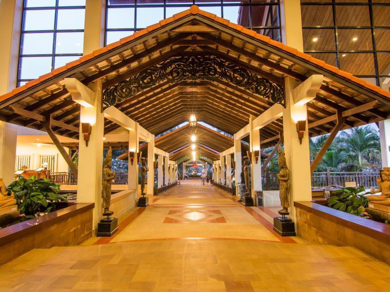 Angkor Palace Resort & Spa1