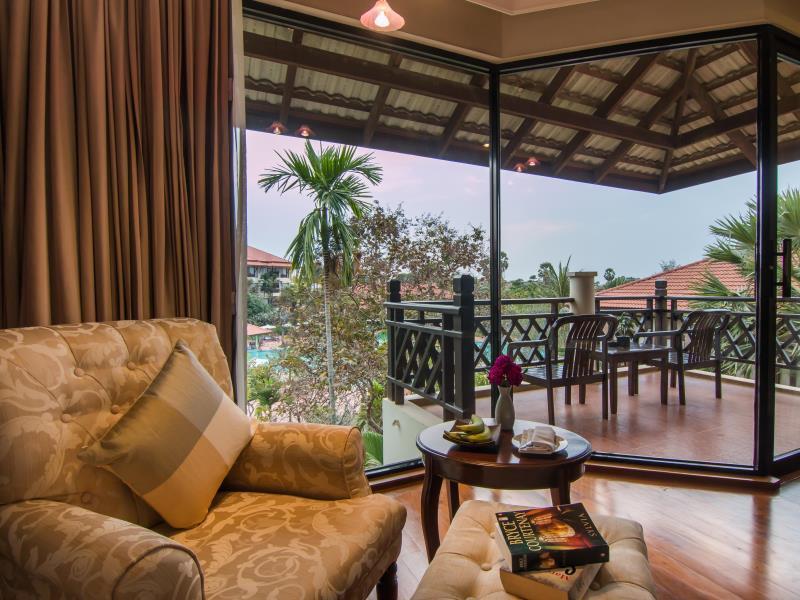 Angkor Palace Resort & Spa11