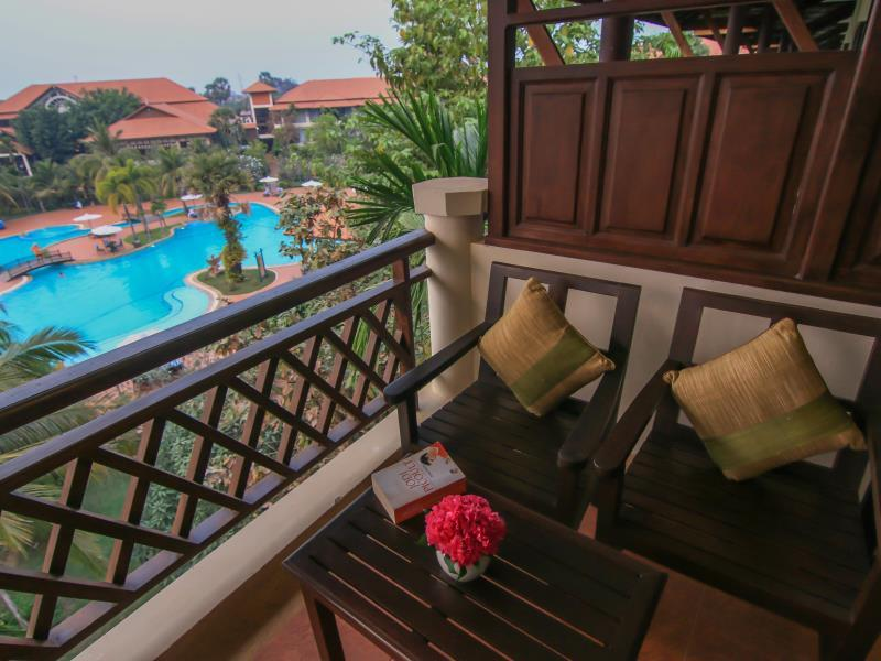 Angkor Palace Resort & Spa14
