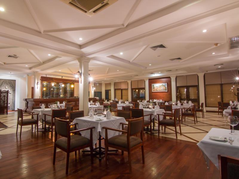 Angkor Palace Resort & Spa36