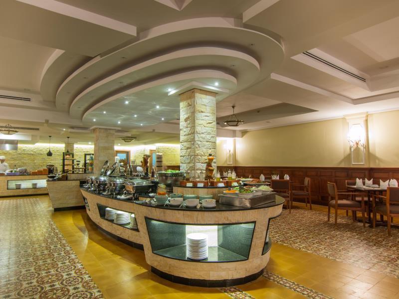 Angkor Palace Resort & Spa37