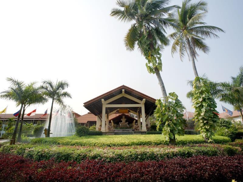 Angkor Palace Resort & Spa45