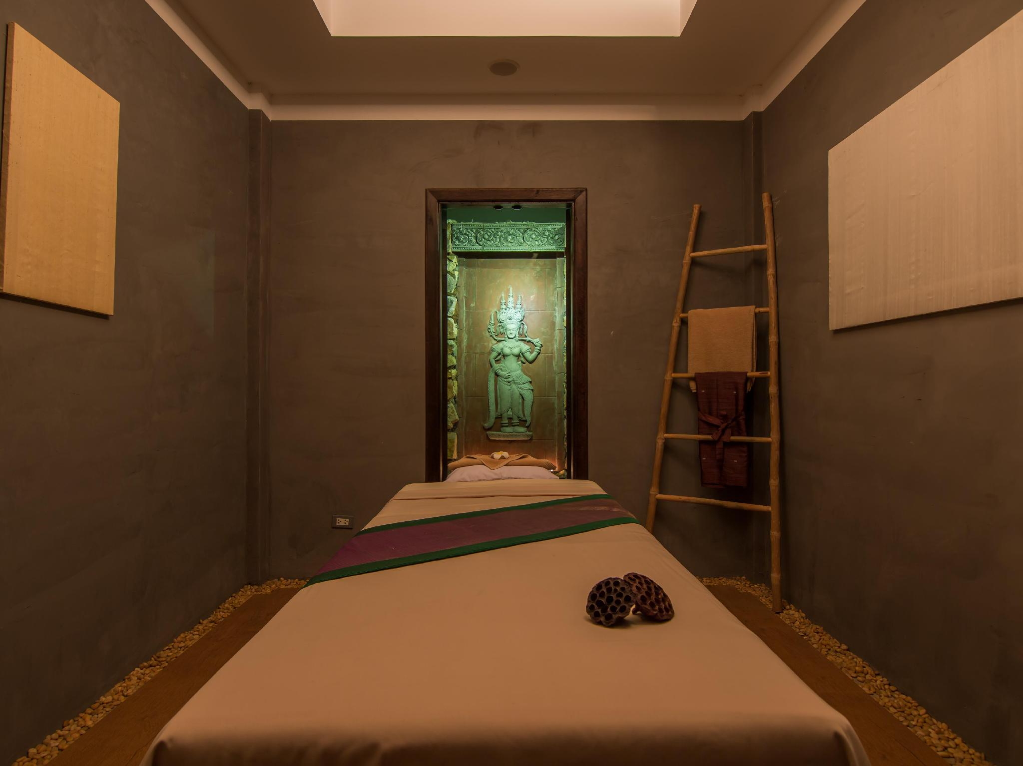 Angkor Palace Resort & Spa55