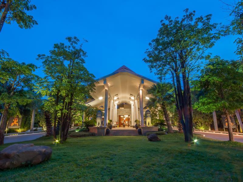 Borei Angkor Resort & Spa1