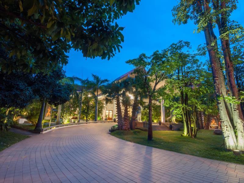 Borei Angkor Resort & Spa2