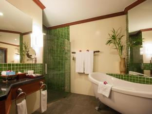 Borei Angkor Resort & Spa Siem Reap - Landmark Bathroom