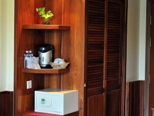 City River Hotel Siem Reap - Deluxe Room Amenities