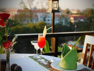 City River Hotel Siem Reap - Rooftop Restaurant & Bar