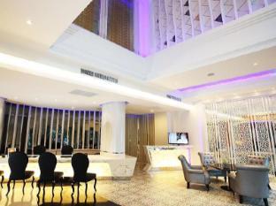 Chillax Resort Bangkok - Lobby