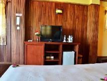 Diamond Hotel: guest room