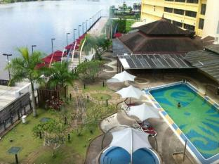 Grand Margherita Hotel Kuching - Piscina