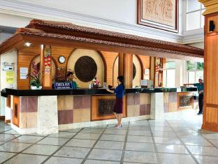 Lek Villa Pattaya - 24 Hour front desk