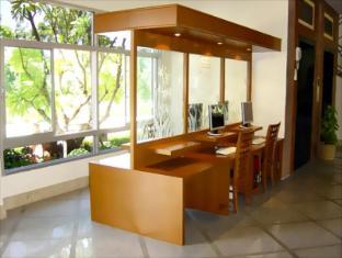 Lek Villa Pattaya - Computer for Guests