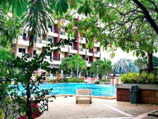 Lek Villa Pattaya - Swimming Pool