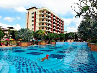 Lek Villa Pattaya - Swimming Pool