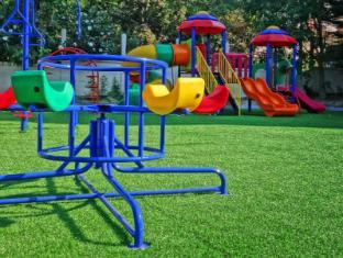 Lek Villa Pattaya - Garden for kids (New)