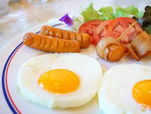 Lek Villa Pattaya - Buffet Cooked Breakfast
