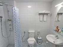 Hotel Mandalay: bathroom